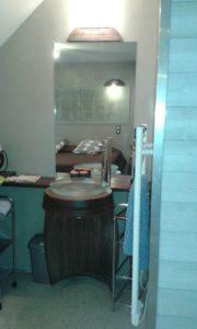 coin lavabo dans chambre sur Lie