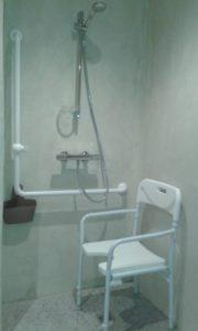 Douche PMR salle d'eau Chai